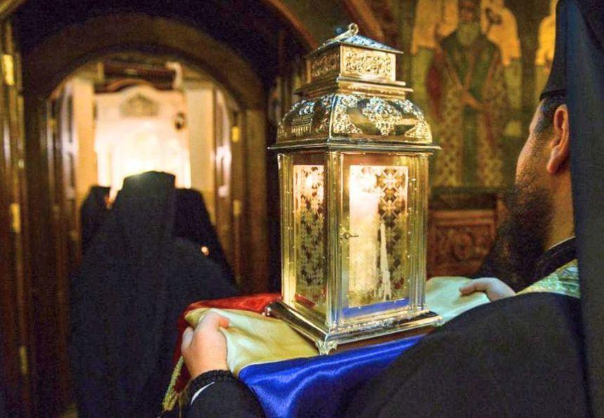 Lumina Sfântă din Ierusalim, adusă la Timișoara pentru a noua oară
