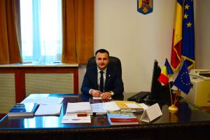 """Deputatul Cucșa: """"Am depus proiectul de lege privind semaforizarea și amplasarea de bariere la toate trecerile la nivel cu calea ferată din România!"""""""