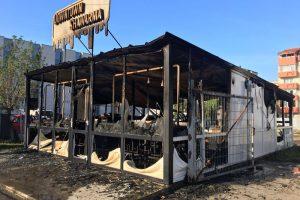 Incendiu la un fast-food din Calea Aradului