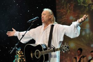 Magia Crăciunului începe cu un concert gratuit de colinde susținut de Ștefan Hrușcă