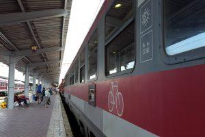 Trenurile care circulă pe cele mai solicitate rute, suplimentate de sărbători