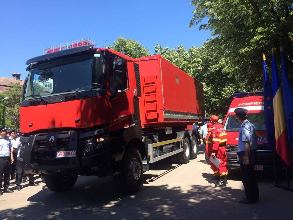 Parcul auto al ISU Banat și al Serviciului de Ambulanță Timiș s-a reînnoit