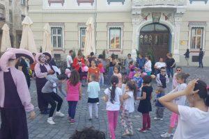 """Peste 200 de juniori timișoreni au participat la """"Jocurile copilăriei. Bucurie, mişcare, artă"""""""