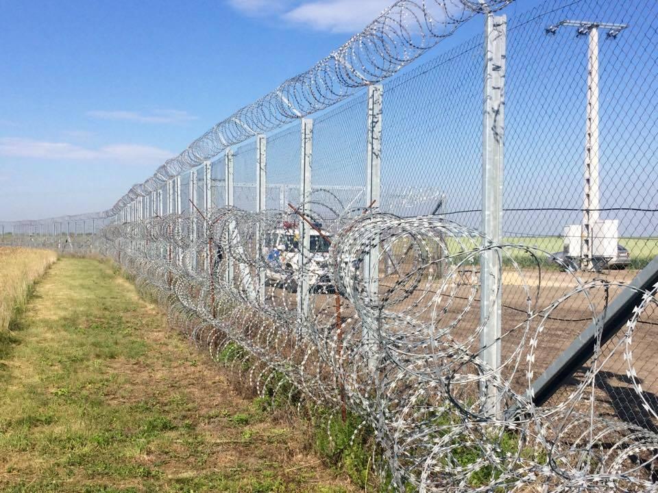 """Șeful Consiliului Județean Csongrad: """"Gardul de sârmă are rolul de a proteja Europa, nu se adresează în niciun caz vecinilor noștri"""""""