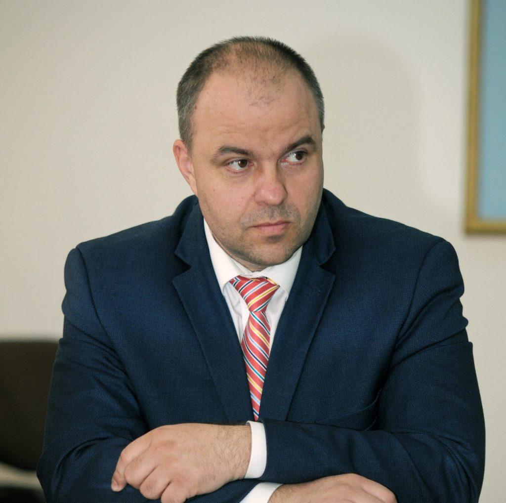 """Deputatul Adrian Todor: """"Sindicatul arată că am avut dreptate atunci când am criticat indemnizaţiile nesimţite de la CET Arad"""""""