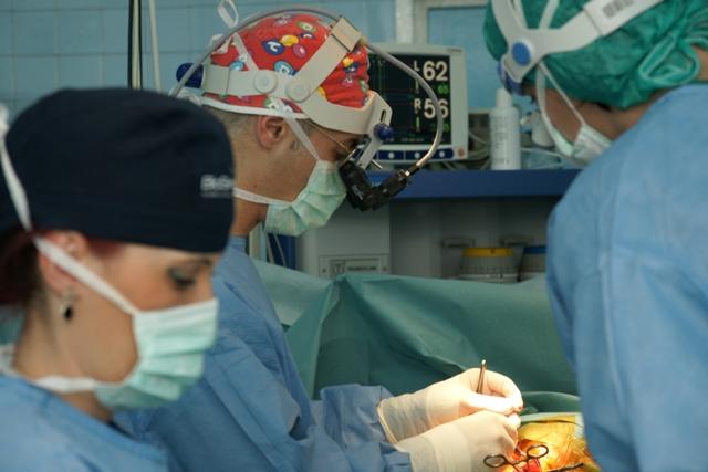 Câți pacienți au fost operați la Clinica de Chirurgie Vasculară din Timișoara în 11 ani de activitate