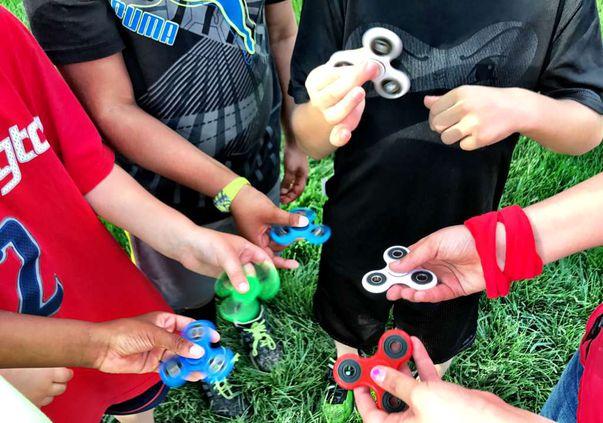 Spinnerul anti-stres, jucăria la modă care a detronat kendama