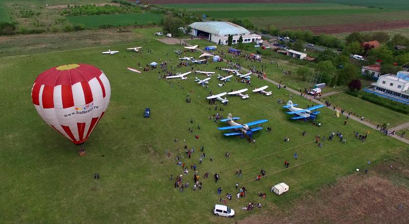 Distracţie, concursuri şi premii tentante la Aerodromul Cioca de Ziua Copilului