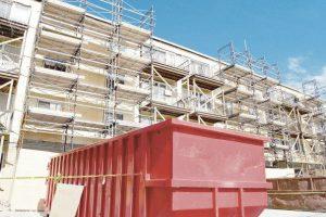 Constructorii, obligaţi să sorteze deşeurile pe şantier