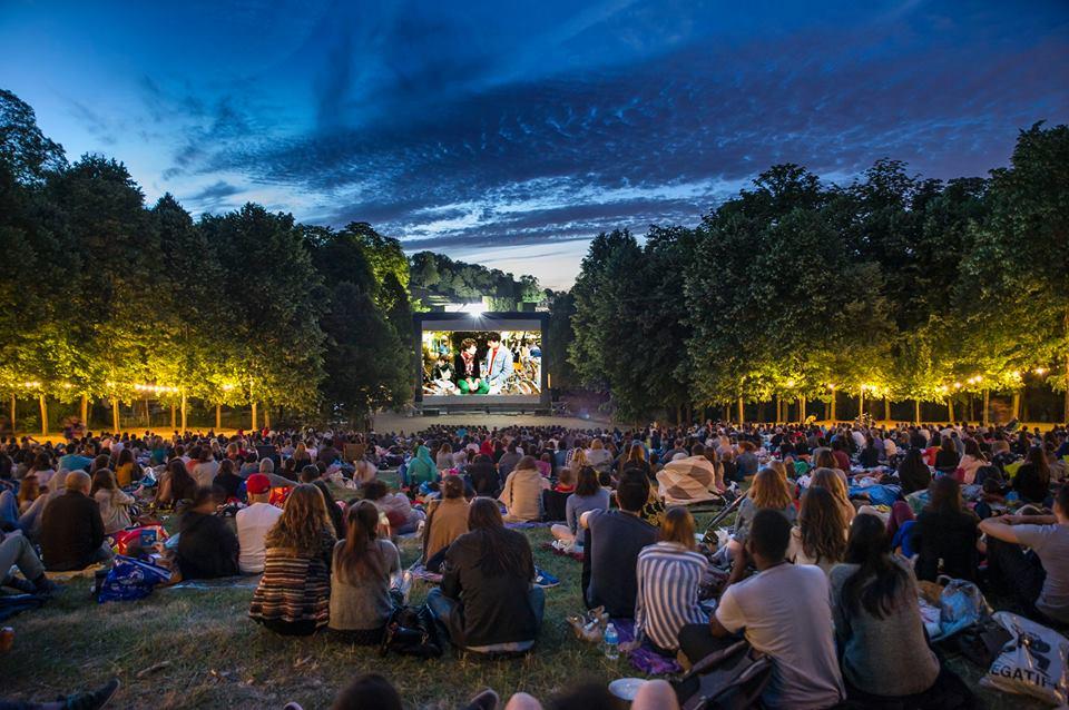 Concerte, film în aer liber și multe surprize pentru studenți. Nici pensionarii nu au fost uitați. Vezi programul