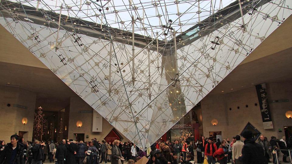 O noapte la muzeu! Numeroase instituţii culturale îşi deschid porţile la Timişoara