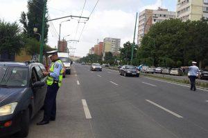 Poliţia a scos în stradă 450 de agenţi la Rusalii. Câte amenzi au dat
