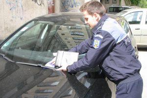 Poliţiştii în civil i-au testat pe locatari: chiar deschid uşa oricui. Ce sfaturi au