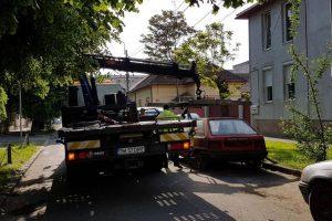 Se eliberează locurile de parcare! Peste 40 de maşini abandonate sunt ridicate de pe domeniul public în aceste zile