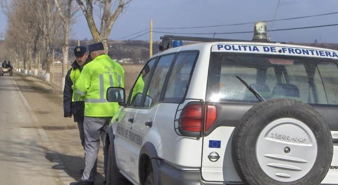 Călăuză cercetată în stare de arest preventiv, pentru transportul a nouă cetăţeni străini
