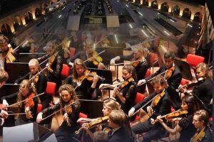 Două concerte în aer liber, în care muzica clasică va întâlni rock-ul simfonic