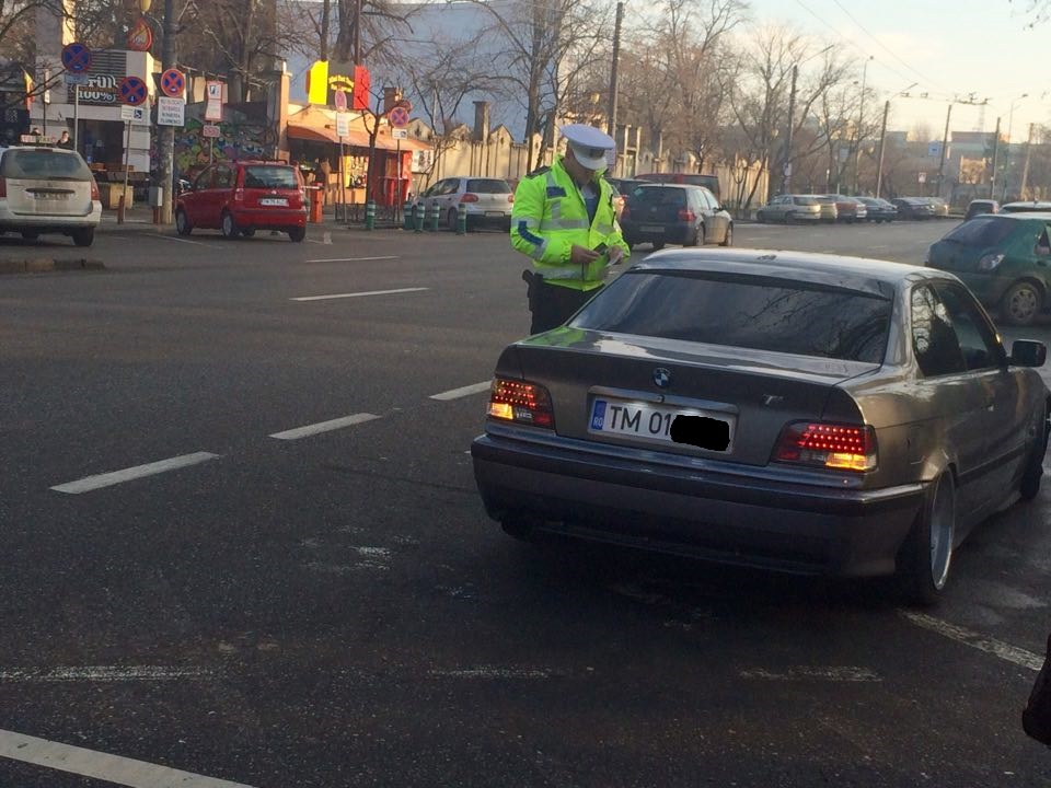 Nerespectarea regulilor de circulație le-a creat probleme mai multor șoferi