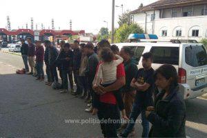 15 migranţi, opriţi la frontiera cu Ungaria