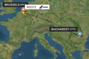 Un avion TAROM a aterizat de urgență, după ce un motor a cedat în aer