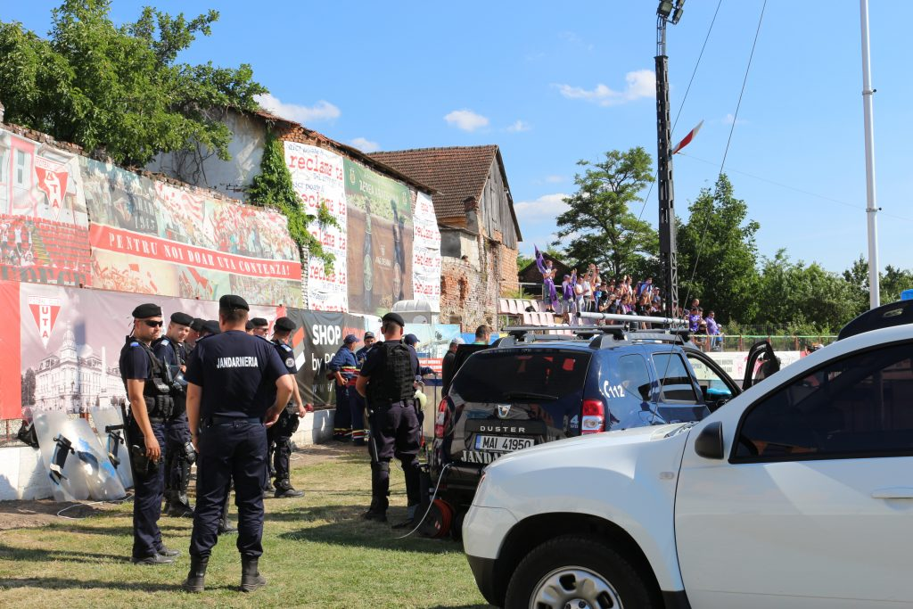 Infracţiune sesizată în timpul meciului de fotbal UTA Arad – ACS Poli Timişoara