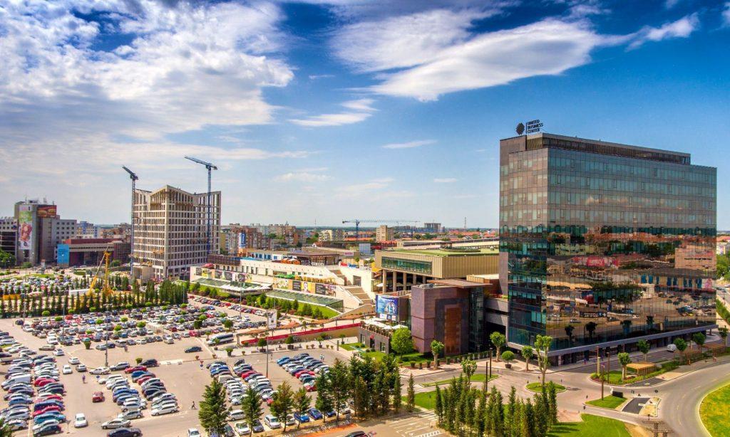 Iulius îşi consolidează poziţia de lider pe piaţa din România. Compania îşi uneşte forţele cu Atterbury Europe