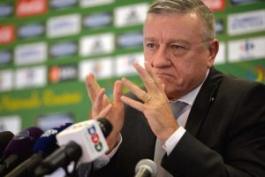 """Fostul """"șef"""" al fotbalului românesc, urmărit PENAL, din nou, de DNA pentru luare de MITĂ"""