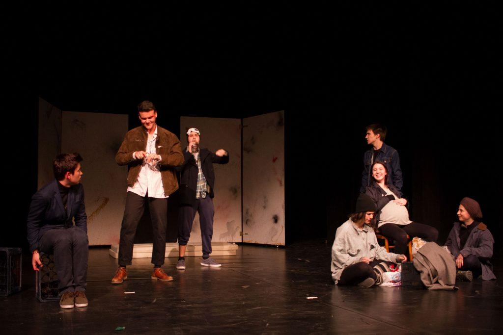 Trupa de teatru NiL a Liceului Lenau joacă la Osijek, în Croația