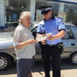 Broşurile privind prevenirea furturilor din buzunare și poșete, distribuite și în piețele timișorene