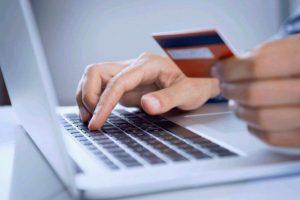Sfaturi pentru a nu avea surprize neplăcute când rezervi vacanța online