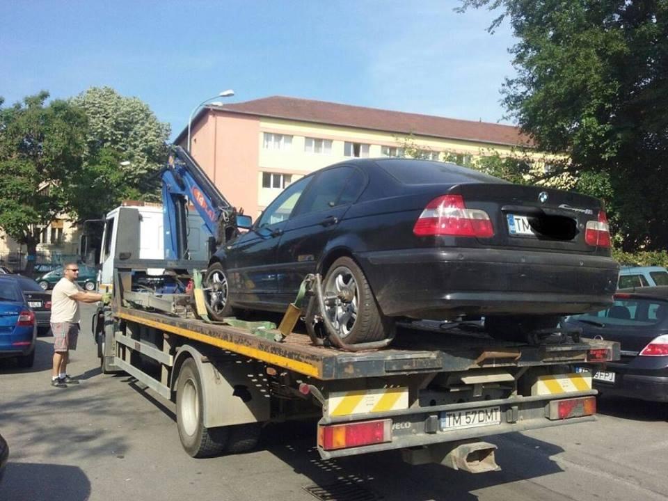 Nu şi-a mai găsit BMW-ul după ce a blocat garajele cu xerox-uri din Complexul Studenţesc