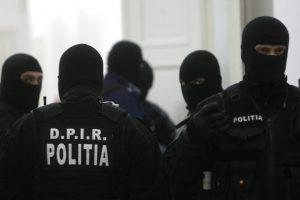 Percheziții la o grupare specializată în furturi. Prejudiciu de 500 mii euro