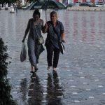 Cod galben de ploi torențiale, vijelii și grindină, în aproape toată țara