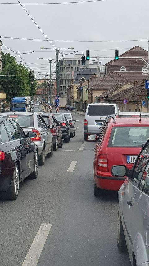 Reprezentanții PSD Timișoara continuă atacurile la adresa lui Robu. Motivele: semaforizarea și traficul infernal