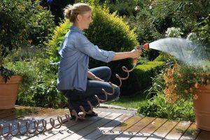 Avertizare de la Aquatim: udatul grădinilor scade presiunea apei de la robinet