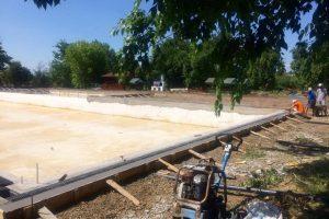 Au început lucrările la bazinul exterior al ștrandului din Lovrin. Investiție de 400 mii lei