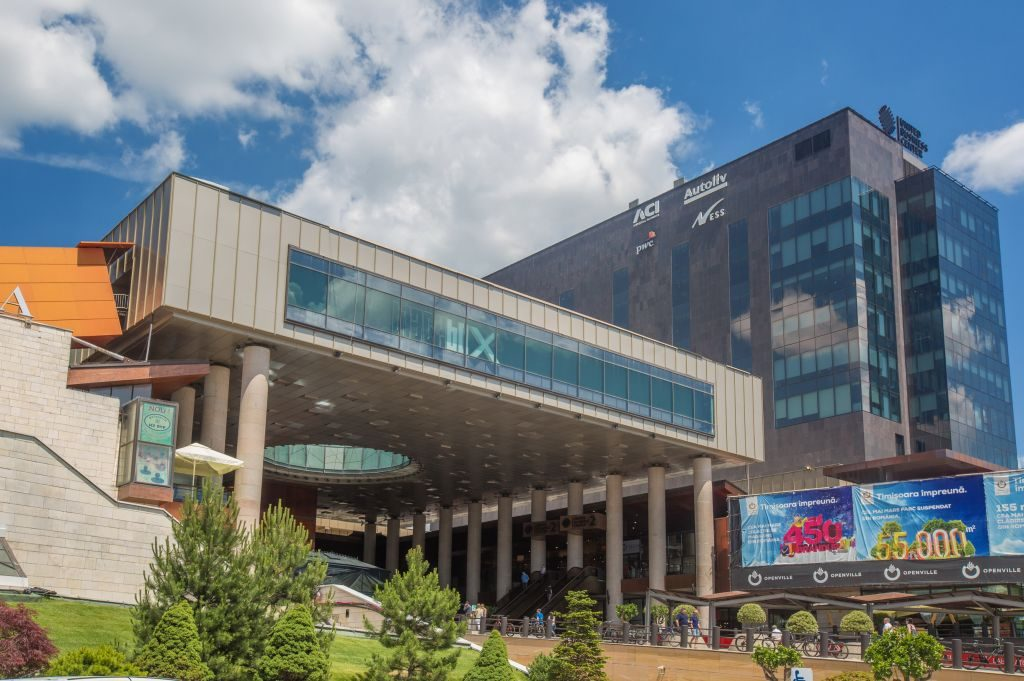 Iulius Mall, deschis în a doua zi de Paşte