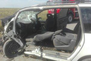 Cumplit accident de circulaţie la ieșirea din Timișoara spre Parța. Două persoane şi-au pierdut viaţa