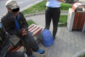 Nu dați bani cerșetorilor! La Timișoara, cerșitul aduce mai mulți bani decât munca cinstită!