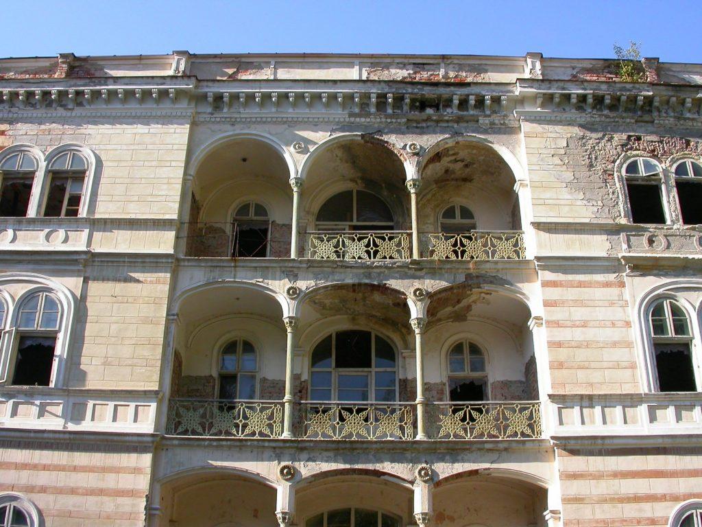 Hotelul Decebal din Băile Herculane, vândut de Fisc