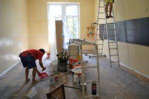 Lucrările de renovare la şcoli şi grădiniţe sunt în toi