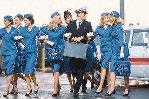 Ai nevoie de 2.000 de euro pentru a deveni însoţitor de zbor