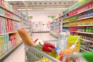 Românii, campioni europeni la consumul de mâncare şi băutură