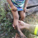Copil de trei ani, blocat cu piciorul între șinele de cale ferată