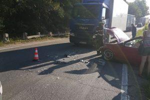 Un autoturism și un TIR s-au ciocnit pe drumul dintre Margina și Coșava