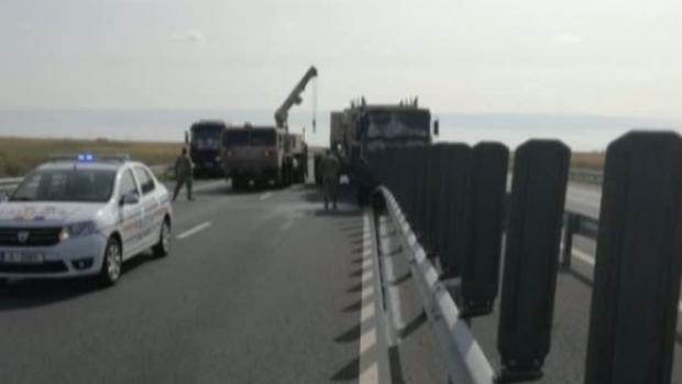 Camion NATO, implicat într-un accident pe Autostrada Arad-Nădlac. Doi militari au fost răniți