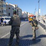 Un bărbat a intrat cu o camionetă în două stații de autobuz, în Marsilia