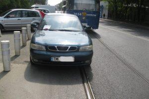 Şofer amendat după ce a blocat circulaţia tramvaielor în faţa Spitalului Victor Babeş