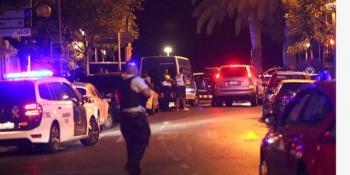 Un nou atac în Spania, la Cambrils. O dubă a intrat în mulțime. Cinci teroriști cu centuri explozive, împușcați