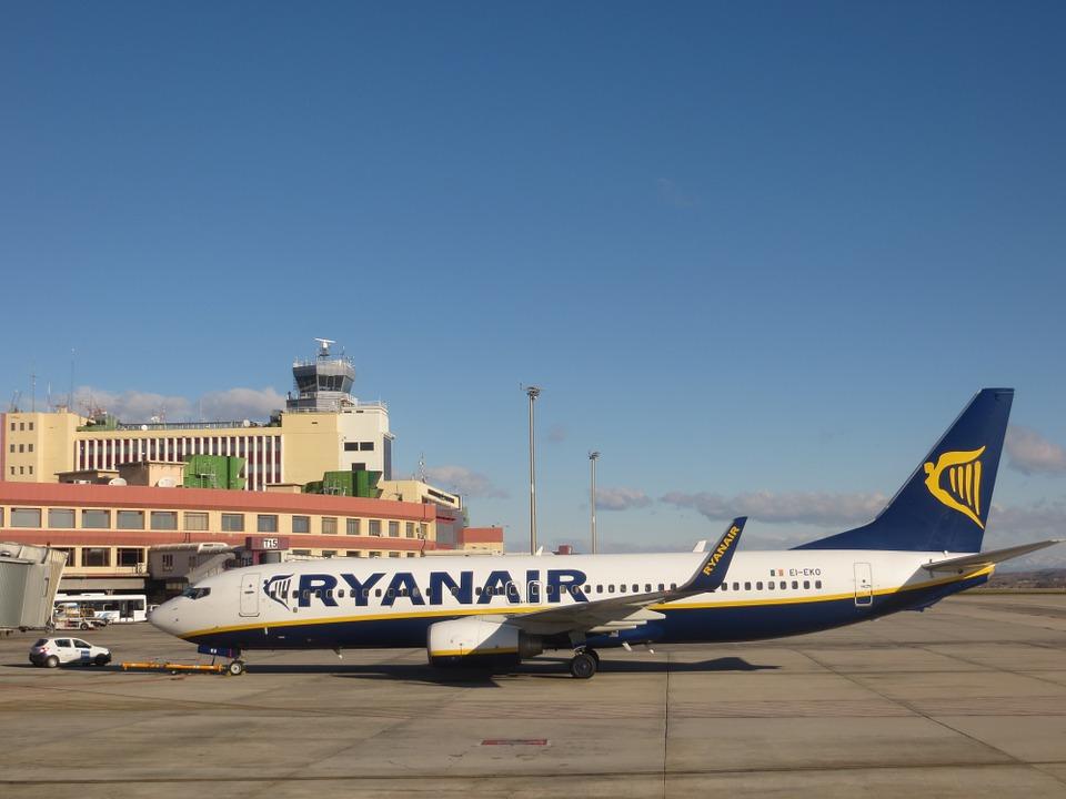 Ryanair recrutează însoțitori de bord la Timişoara