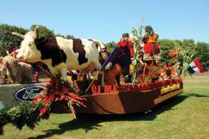 Timişenii sunt așteptați la Carnavalul Florilor din Debrecen, unic în Europa